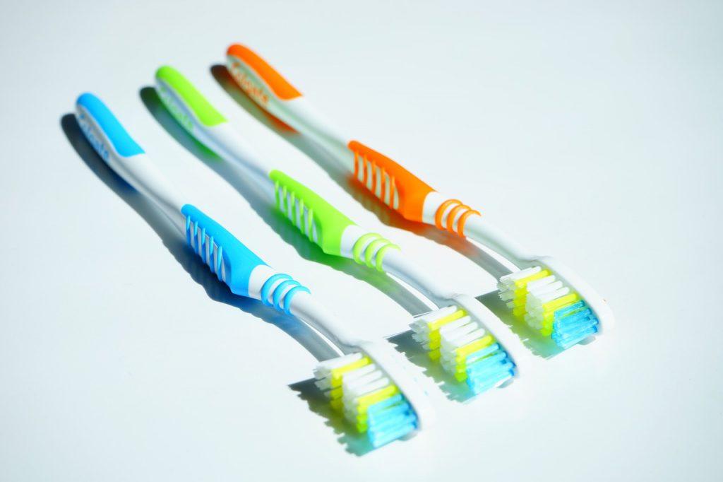 dentysta, szczoteczki do zębów, dbanie o zęby